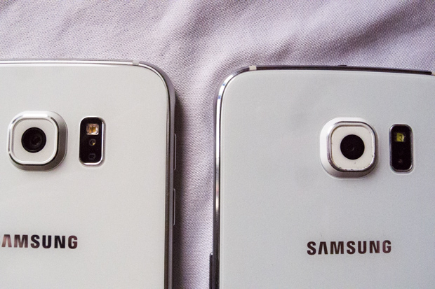Back side, fake Samsung S6 on the  right. Real on the left.